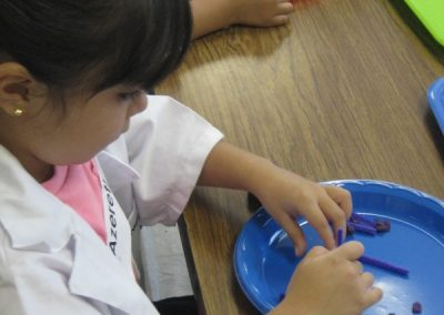 Early Childhood Education - Girl learning Math through STEAM